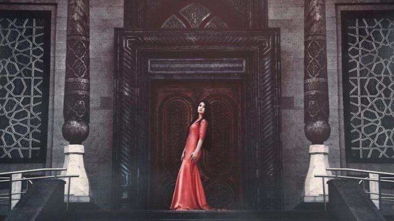 czerwona sukienk